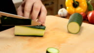 Zucchini cut video