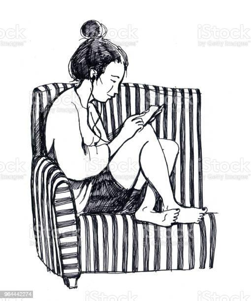 Vetores de Desenho Preto E Branco Da Menina Com Telefone Inteligente Sentase Sobre A Cadeira Borefoot e mais imagens de Abstrato