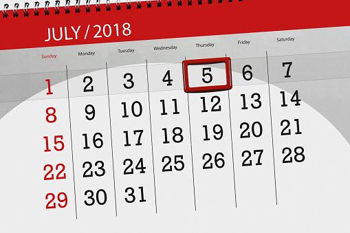 Kalender Planner För Månaden Sista Dagen I Veckan Torsdag 2018 5 Juli-vektorgrafik och fler bilder på 2018