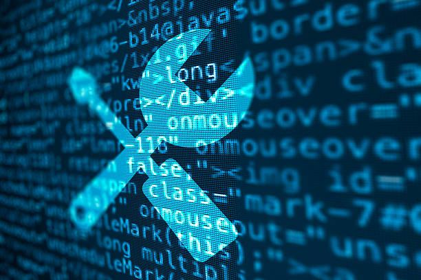 ilustraciones, imágenes clip art, dibujos animados e iconos de stock de código de datos de la pantalla de ordenador con el icono de herramientas - reparador