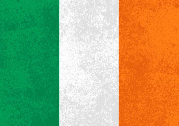 ilustraciones, imágenes clip art, dibujos animados e iconos de stock de bandera de irlanda con textura grunge antigua - bandera irlandesa