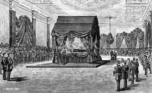 Engraving from 1886 showing the funeral for Abraham Lincoln in the East Room.