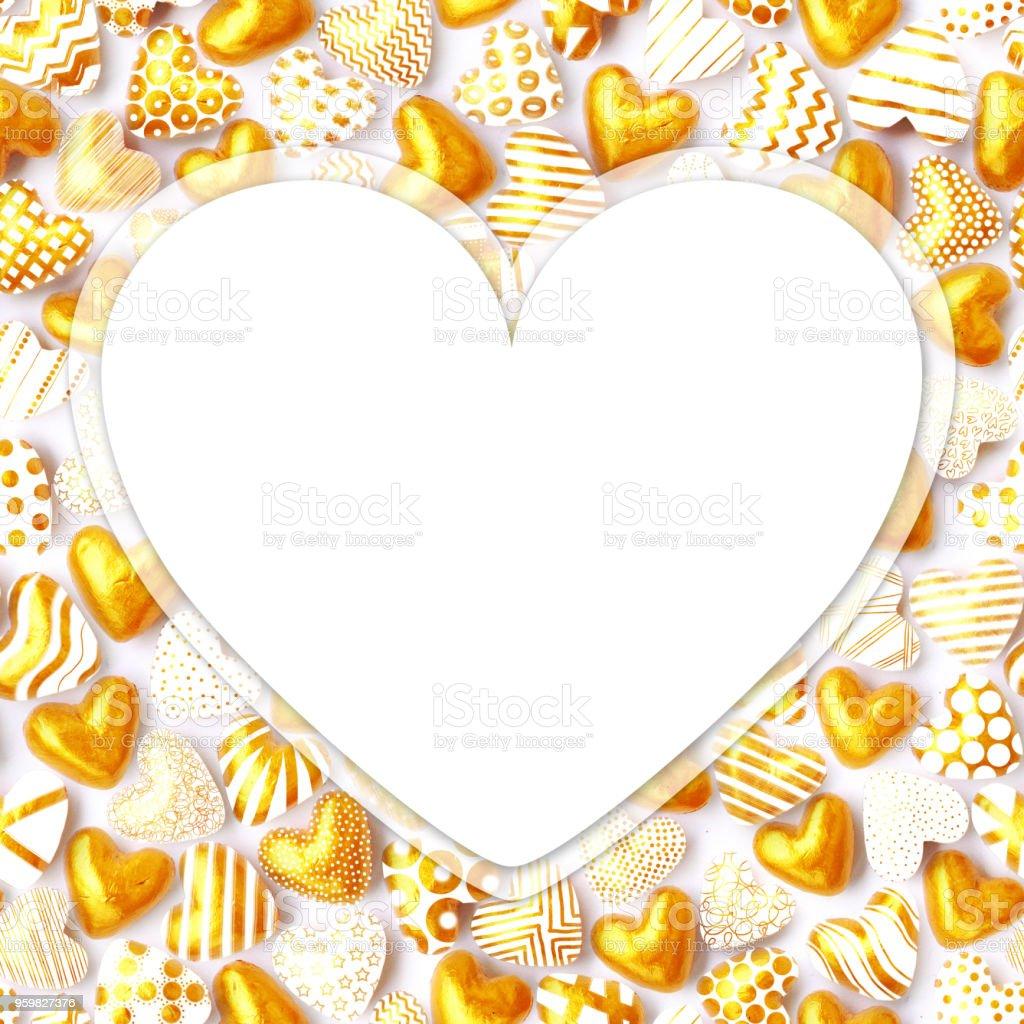 Aşk Kartı Tasarımı Ile Metninizi Küçük 3d Altın Kalpler Yapılan