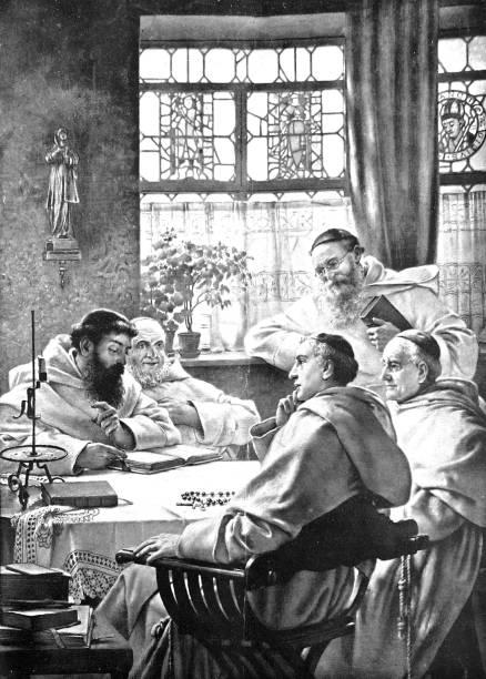 ilustraciones, imágenes clip art, dibujos animados e iconos de stock de chat de monjes alegremente en una mesa redonda - hermano
