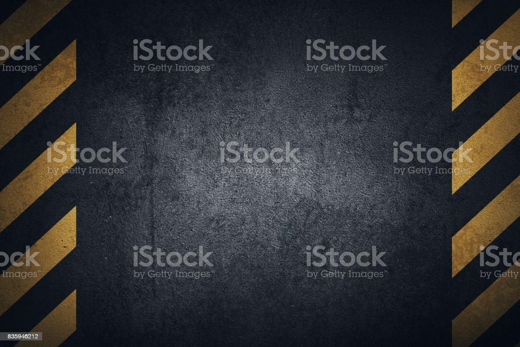 Vieja negra superficie de la placa de metal Grunge con franjas amarillas de advertencia - ilustración de arte vectorial