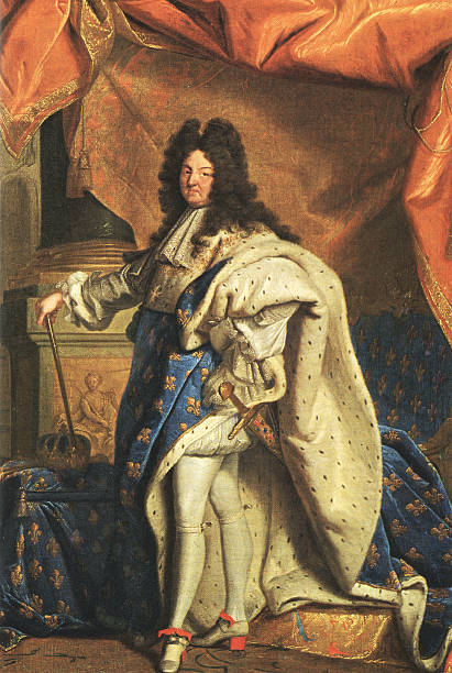 stockillustraties, clipart, cartoons en iconen met posing louis xiv, sun king, xxl - 18e eeuw