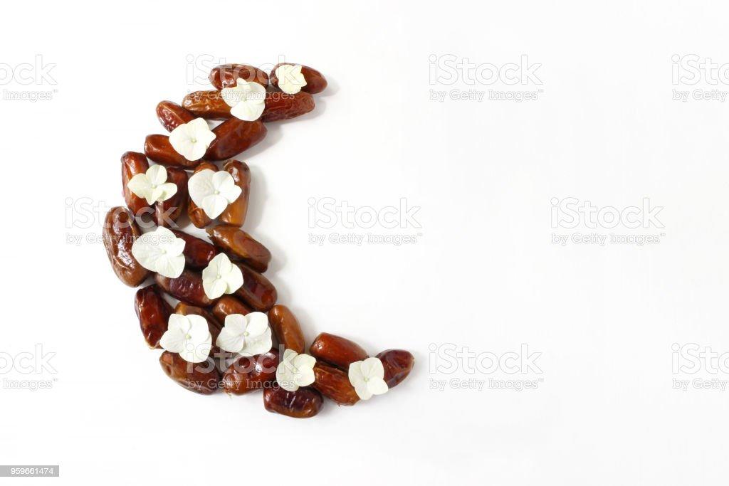 Ramadan liftar composition du bureau fruits séchés date disposées en