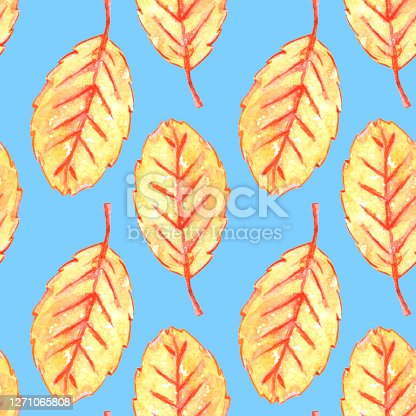 Watercolor aspen leaves seamless pattern. Colorful autumn background and texture for seasonal design, packaging, home textiles, fabric, thanksgiving theme and happy fall.