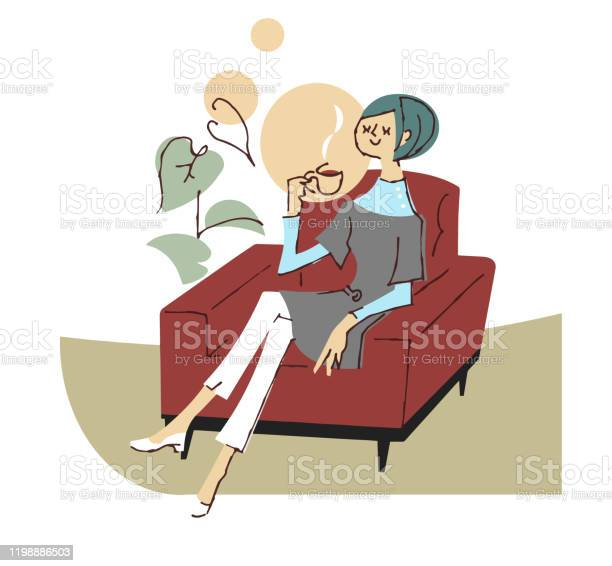 A Woman Relaxing On A Sofa And Drinking Coffee - Arte vetorial de stock e mais imagens de 20-29 Anos