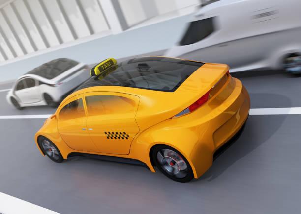 bildbanksillustrationer, clip art samt tecknat material och ikoner med gul taxi passerar silver parkering bil - diagonala övergpångsställ