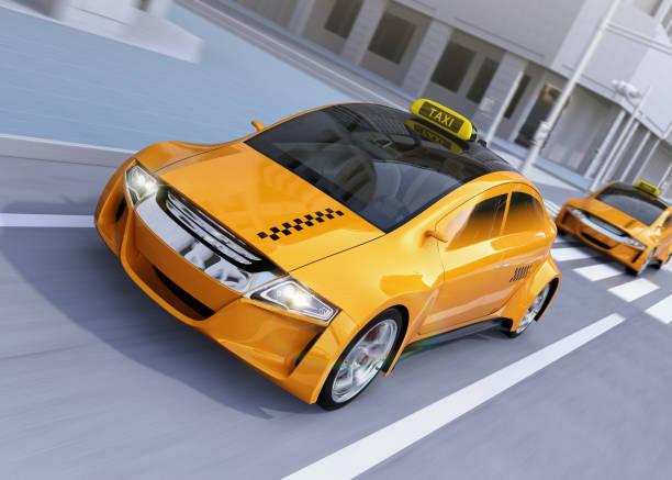 bildbanksillustrationer, clip art samt tecknat material och ikoner med gul taxi passerar korsningen - diagonala övergpångsställ
