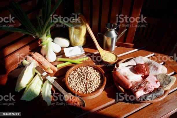 Carnes Legumbres Pasta Hortalizas Y Especias Stock Photo Download Image Now Istock