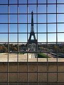 Tour Eiffel: Sunny day in an empty Paris / Tour Eiffel: Journée ensoleillée dans un Paris vide