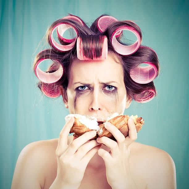 prämenstruelles syndrom - make up torte stock-fotos und bilder