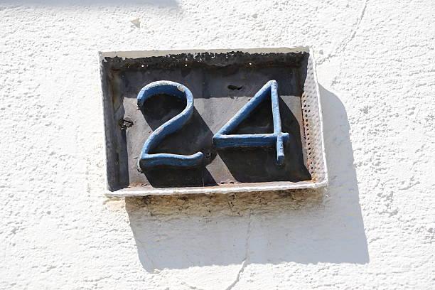 24 heures sur 24 - nombre 24 photos et images de collection