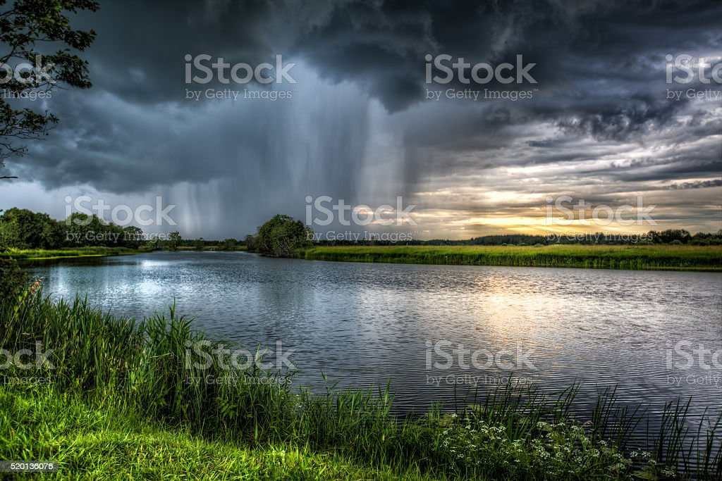 Дождевая туча royalty-free stock photo
