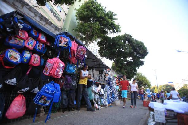 ambulante / vendedores - ambulante foto e immagini stock