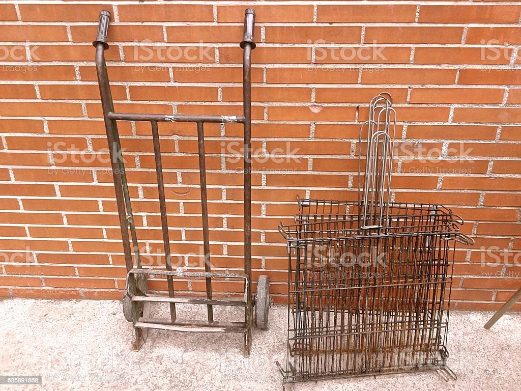 BARBACUE GRILL AND LOADING TROLLEY - foto de stock