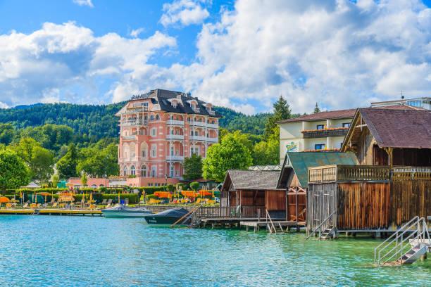 wörthersee lake, österreich - wörthersee stock-fotos und bilder