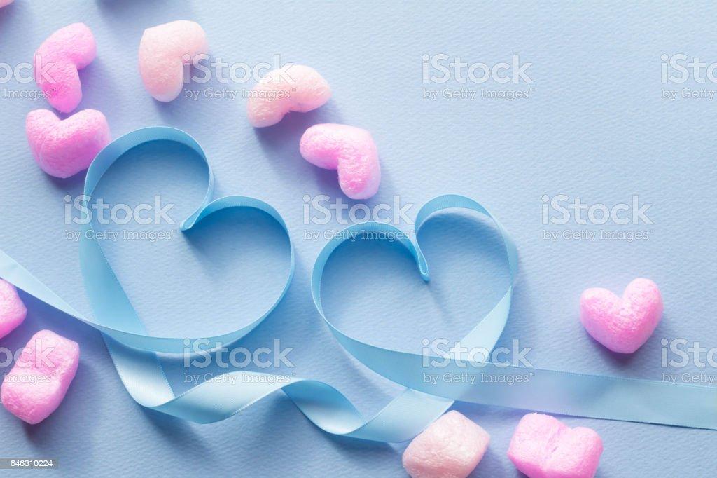 青いリボンでハート stock photo