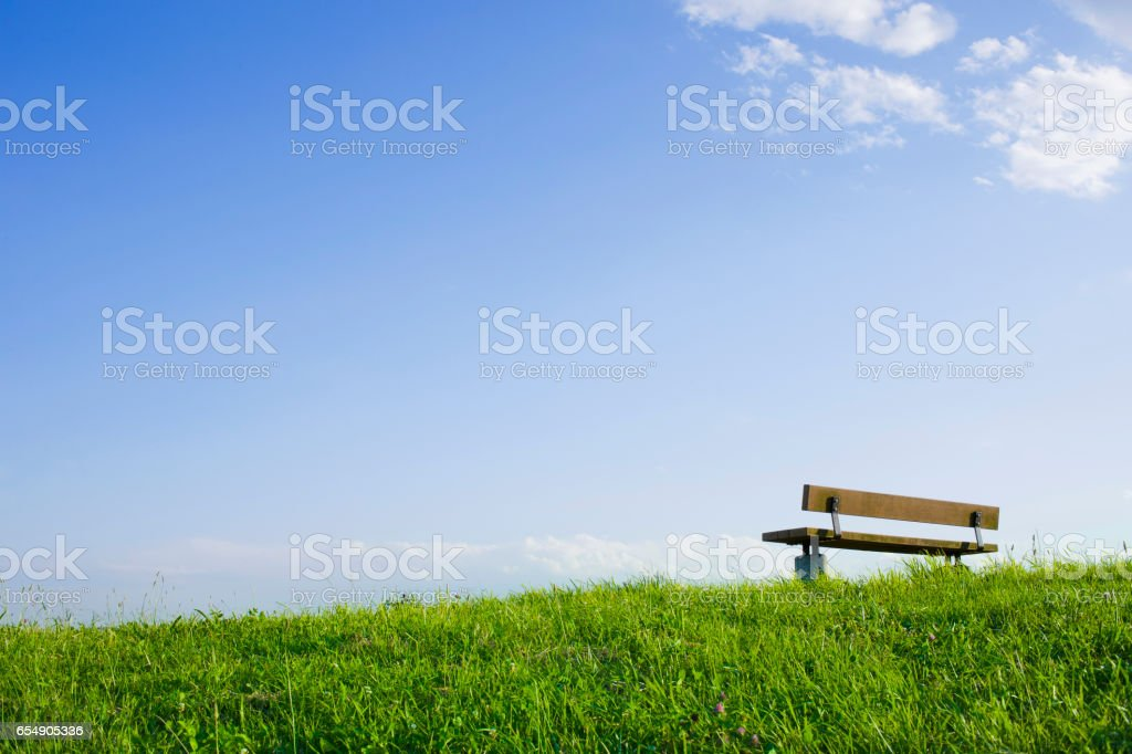 丘の上のベンチ 澄んだ空 - Photo