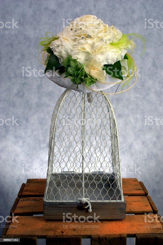 FLOWERED CAGE 2 foto de stock libre de derechos