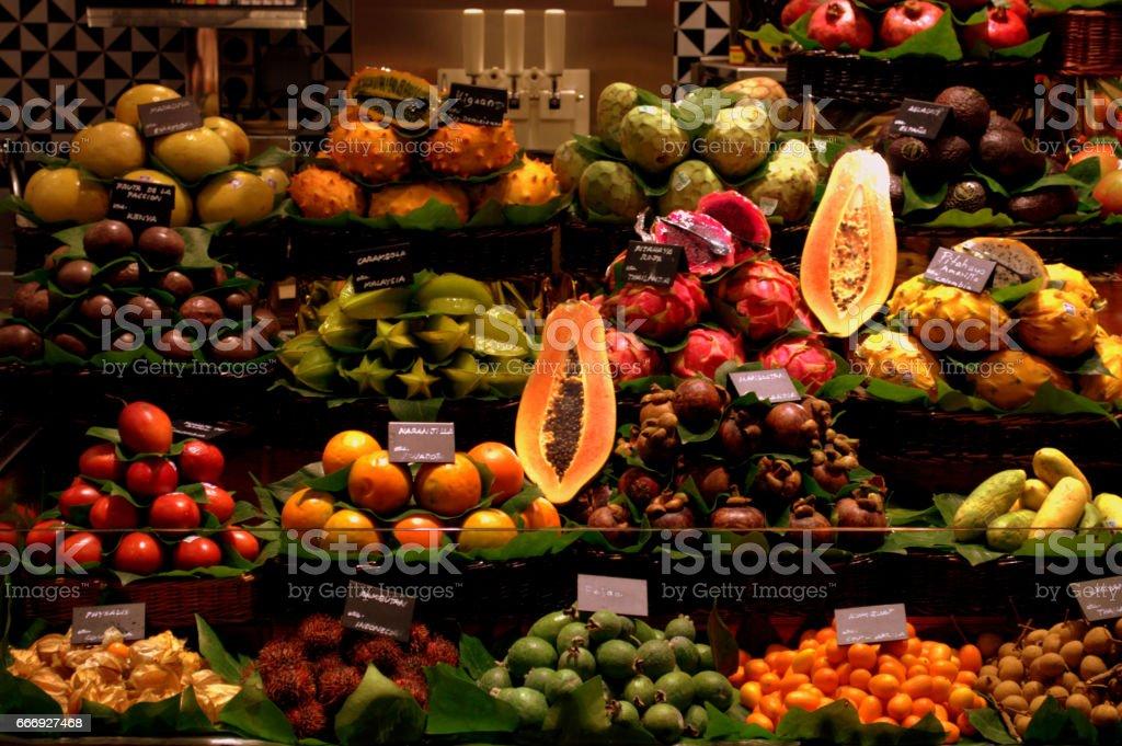 MERCADO DE FRUTAS 1 foto de stock libre de derechos