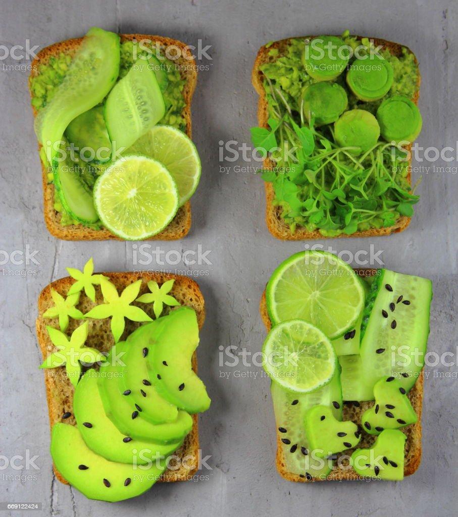 тосты с авокадо stock photo