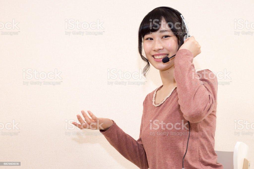 コールセンター 美しい女性 foto de stock libre de derechos