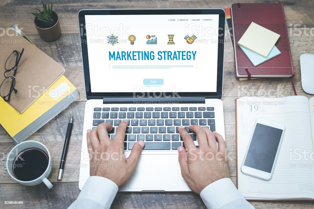 CONCEPTO DE ESTRATEGIA DE MARKETING - foto de stock