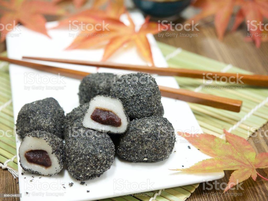아시아 음식 검은깨 찰떡 stock photo