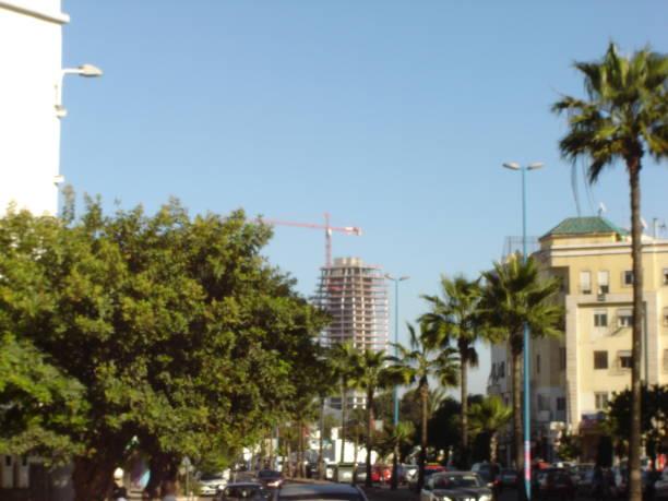 UN IMMEUBLE EN COURS DE CONSTRUCTION/QUARTIER DE L'AEROPORT/CASABLANCA/MAROC stock photo
