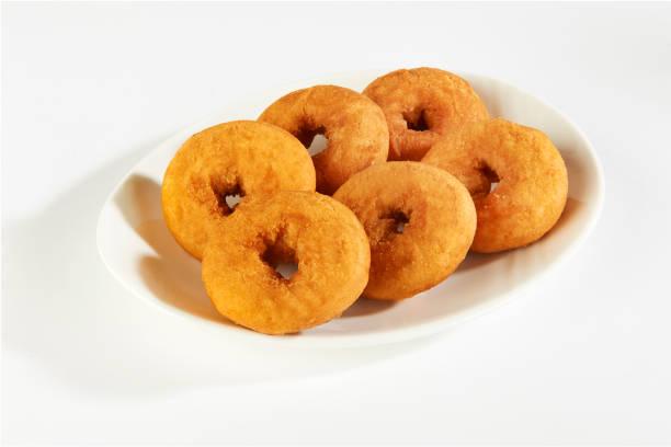 donuts - löcherkuchen stock-fotos und bilder
