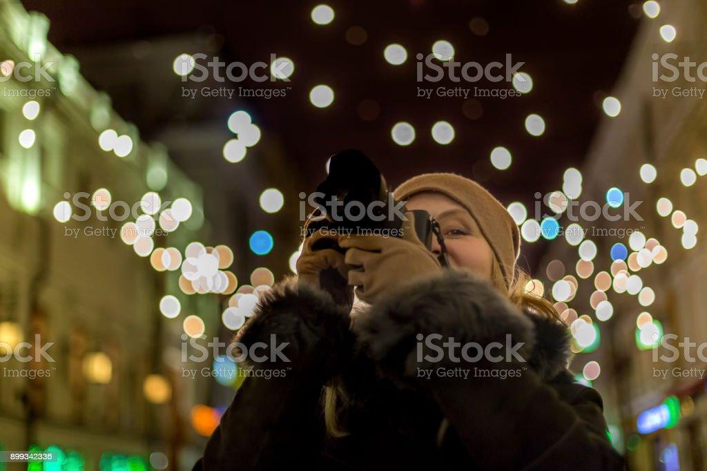 Женщина фотограф stock photo