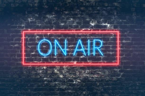 sur air - poste de radio photos et images de collection