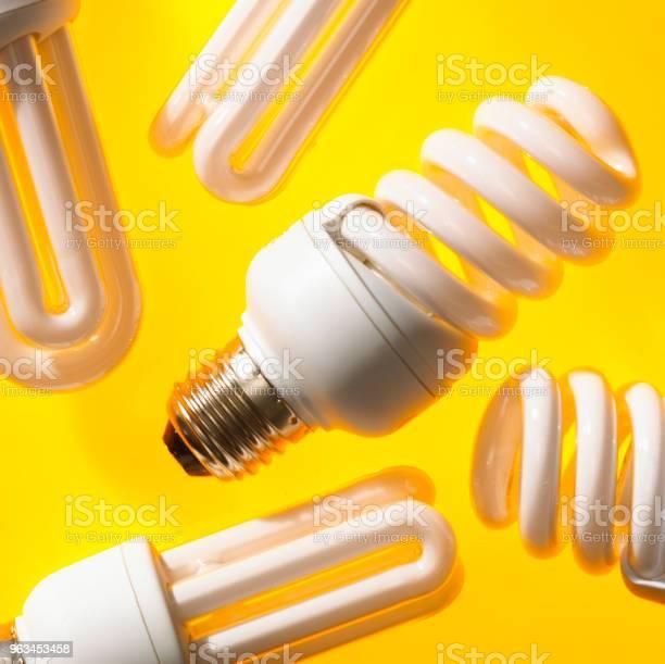 Energooszczędne Żarówki - zdjęcia stockowe i więcej obrazów Bez ludzi