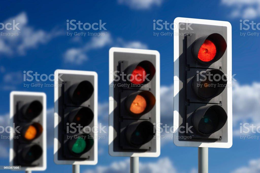 四交通燈在不同的序列 - 免版稅交通圖庫照片
