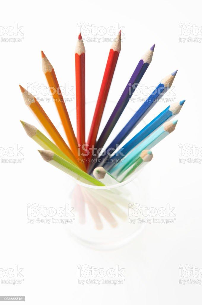 유리 컵에 연필 - 로열티 프리 0명 스톡 사진