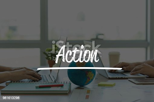 istock TEAMWORK OFFICE BUSINESS COMMUNICATION TECHNOLOGY  ACTION GLOBAL NETWORK CONCEPT 981613298