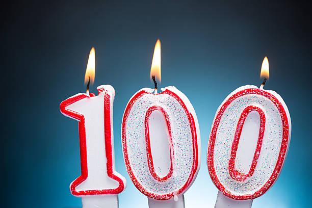 100 th birthday kerzen - nummer 100 stock-fotos und bilder