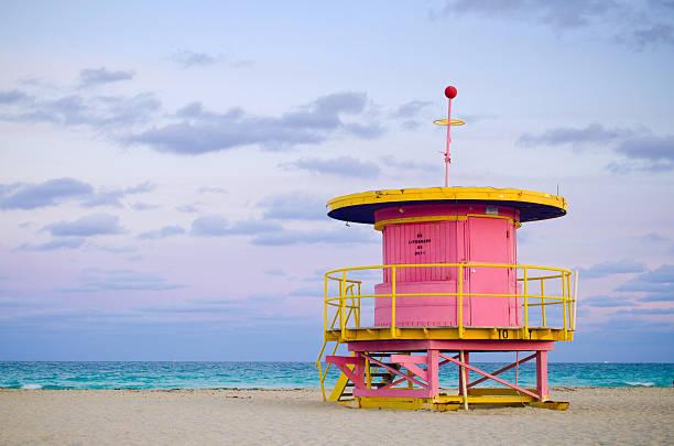 10th street lifeguard hut in miami beach, fl - badvaktshytt bildbanksfoton och bilder