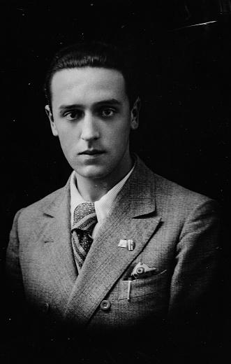 istock 1920s italian family portrait 1048741344