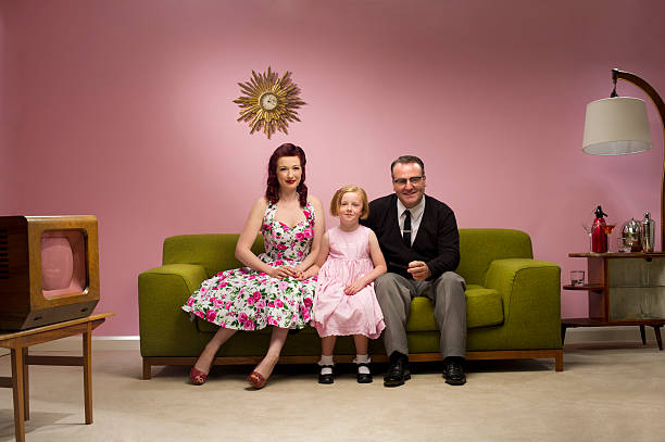 1950s tv family - 1950s style stock photos and pictures