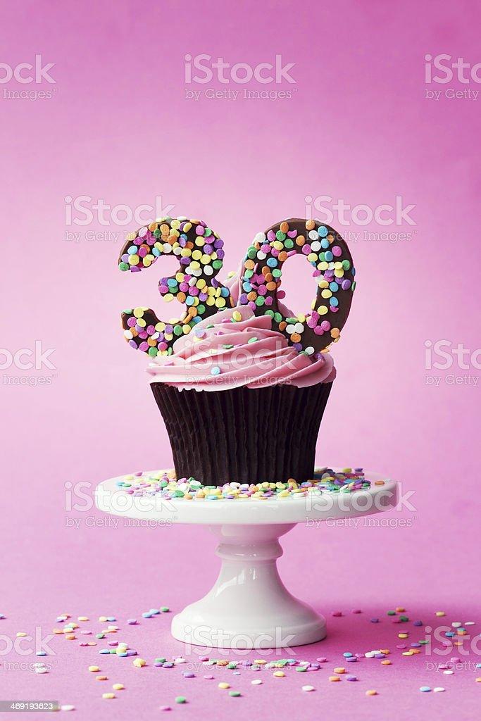 30 Geburtstag Cupcake Stock Fotografie Und Mehr Bilder Von 30