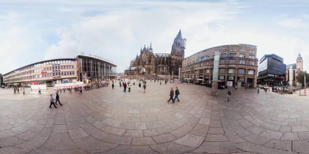 360 grados vista de la catedral de colonia - 360 fotografías e imágenes de stock