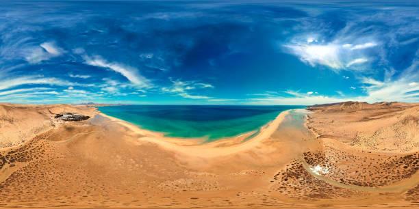 360 x 180 graders full sfäriska (ekvirektangulär) panorama av Costa Calmas stränder, Fuerteventura, Kanarieöarna bildbanksfoto