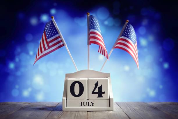 4. Juli American Independence Day Kalender und Flaggen – Foto