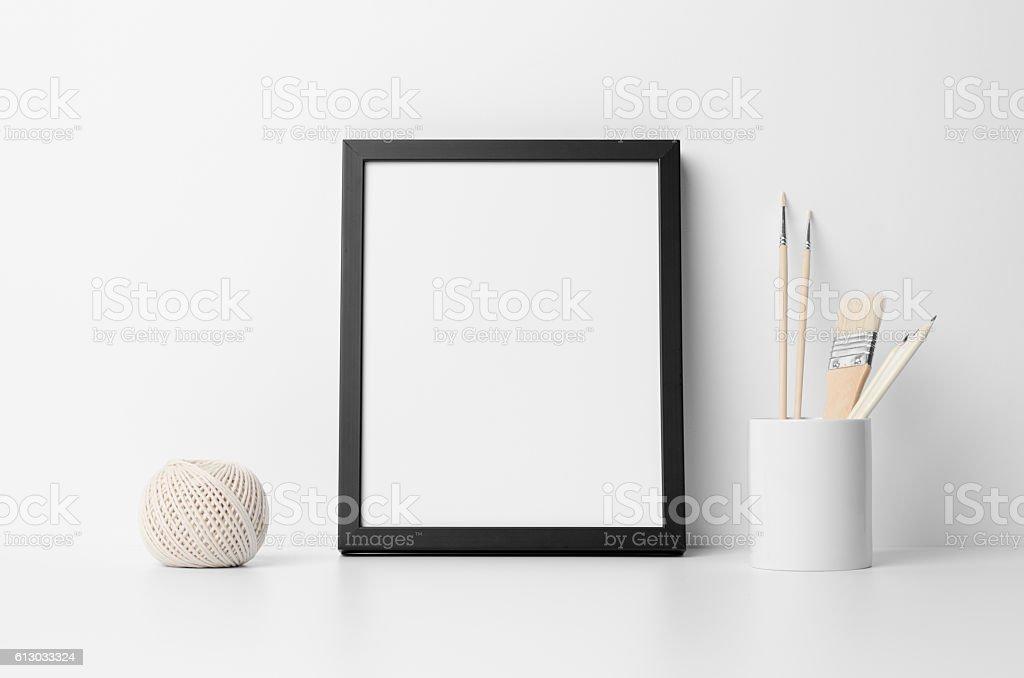 Fotografía de 8x10 Black Frame Mockup Portrait y más banco de ...