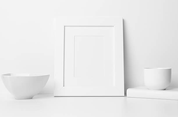 """8x10"""" frame mock-up - portrait, with mat - anrichte weiß stock-fotos und bilder"""