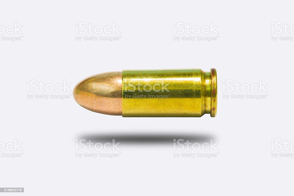 9 mm. práctica bala aislar sobre fondo blanco - foto de stock